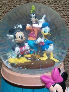 LN-Disney-s-Mickey-Mouse-amp-Friends-Musical-Water-Snow-Globe-039-Waltz-of-Flowers-039