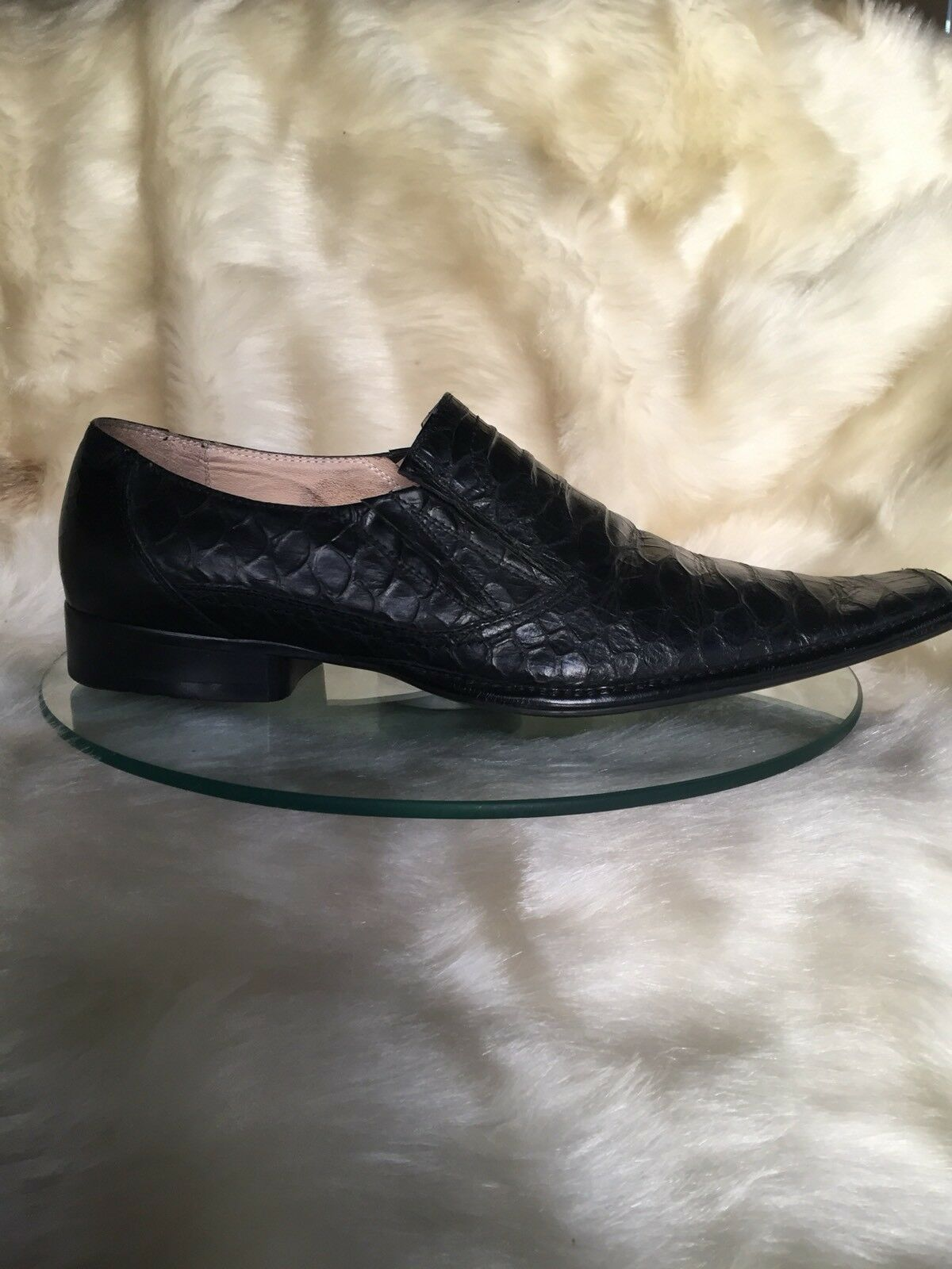 XENOS black leather/ crocodile size print ,formal/corporat men shoes , size crocodile 43. 48e0c6