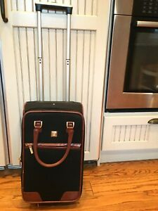 DIANE-von-FURSTENBERG-VTG-Black-w-Brown-Trim-Rolling-Luggage-Trunk