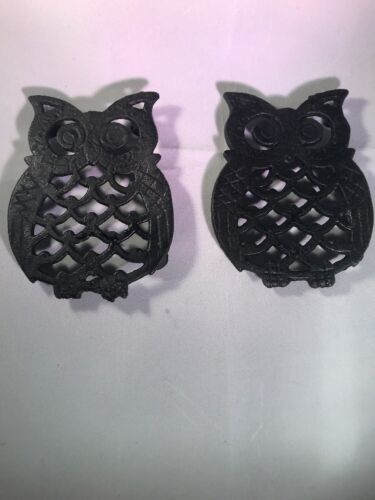 2 Black Cast Iron Metal OWL Footed Trivets 1970s Retro Hot Plate
