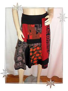 Jupe-Fantaisie-Noire-Rouge-Imprimee-Desigual-Taille-S-Ref-96F2708-ETHNOGRAPHIC