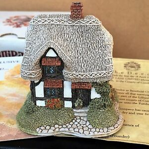LILLIPUT-LANE-034-Granny-Smiths-034-Very-Good-Condition-with-Box-and-Deeds