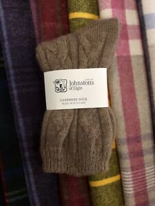 100-Cashmere-Cable-Socks-Johnstons-of-Elgin-Made-in-Scotland-Brown-Warm