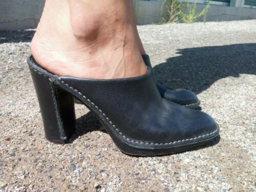 Tods 7M Black Leather Slip On Block Heels
