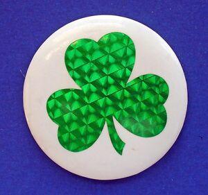 Hallmark-BUTTON-PIN-St-Patrick-Vintage-SHAMROCK-2-034-FOIL-Lucky-Irish-Holiday