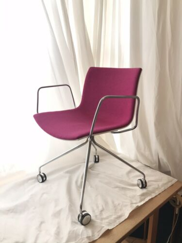 Arper Catifa Chair Pink