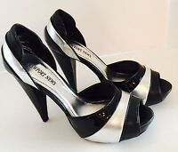 Newport News Black / Silver Sz 7.5 Peep Toe Pumps 5 Heel