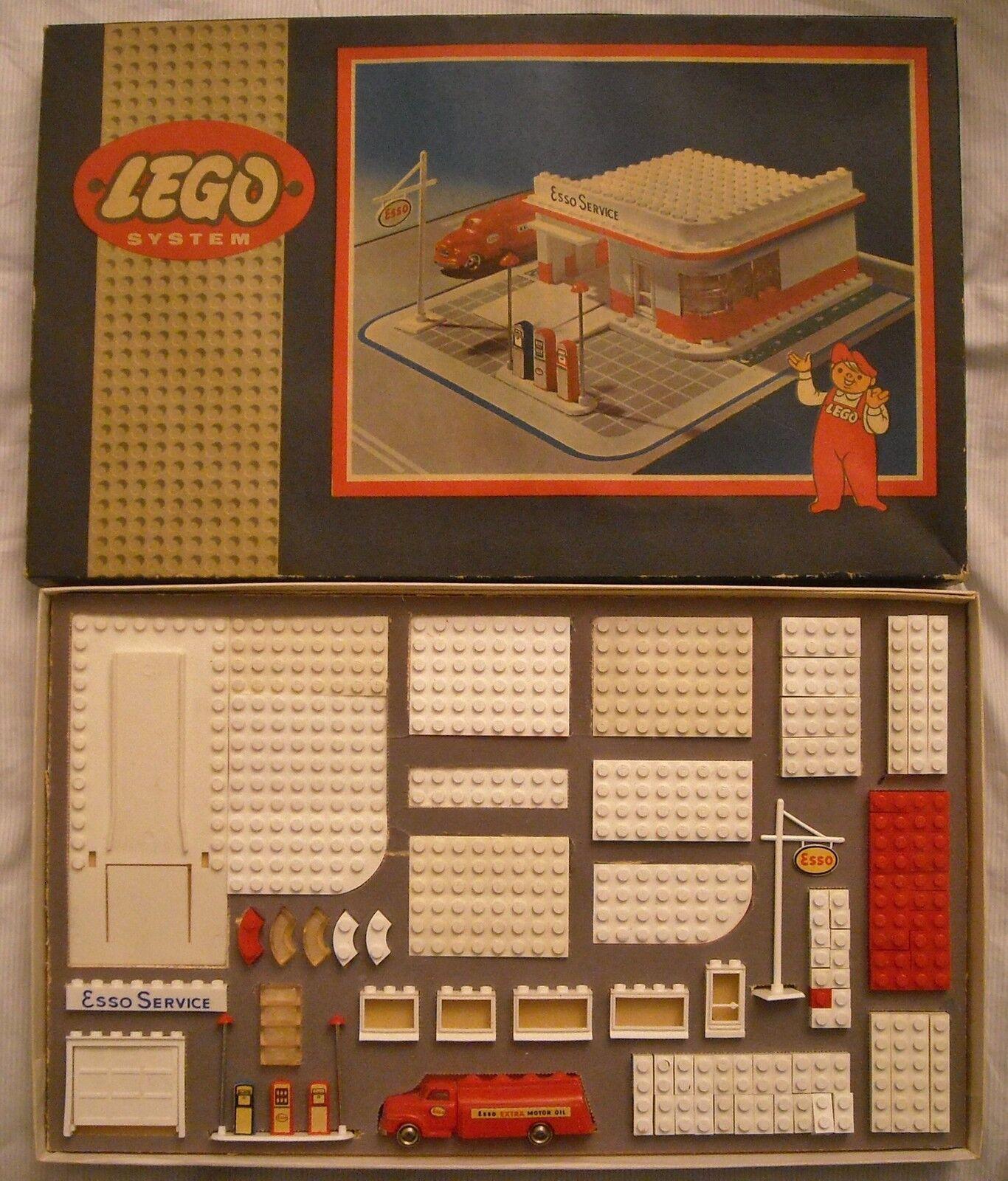 LEGO SYSTEM  N 310 - ANNO 1957- ESSO STAZIONE DI SERVIZIO - ORIGINALE E PERFETTA