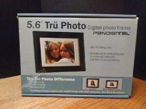 "(946) Pandigital 5,6"" Tru Photo Digital Photo Frame"