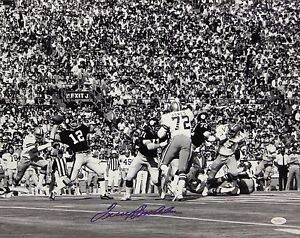 Terry-Bradshaw-Autographed-Steelers-16x20-Passing-B-amp-W-Photo-JSA-W-Authenticated