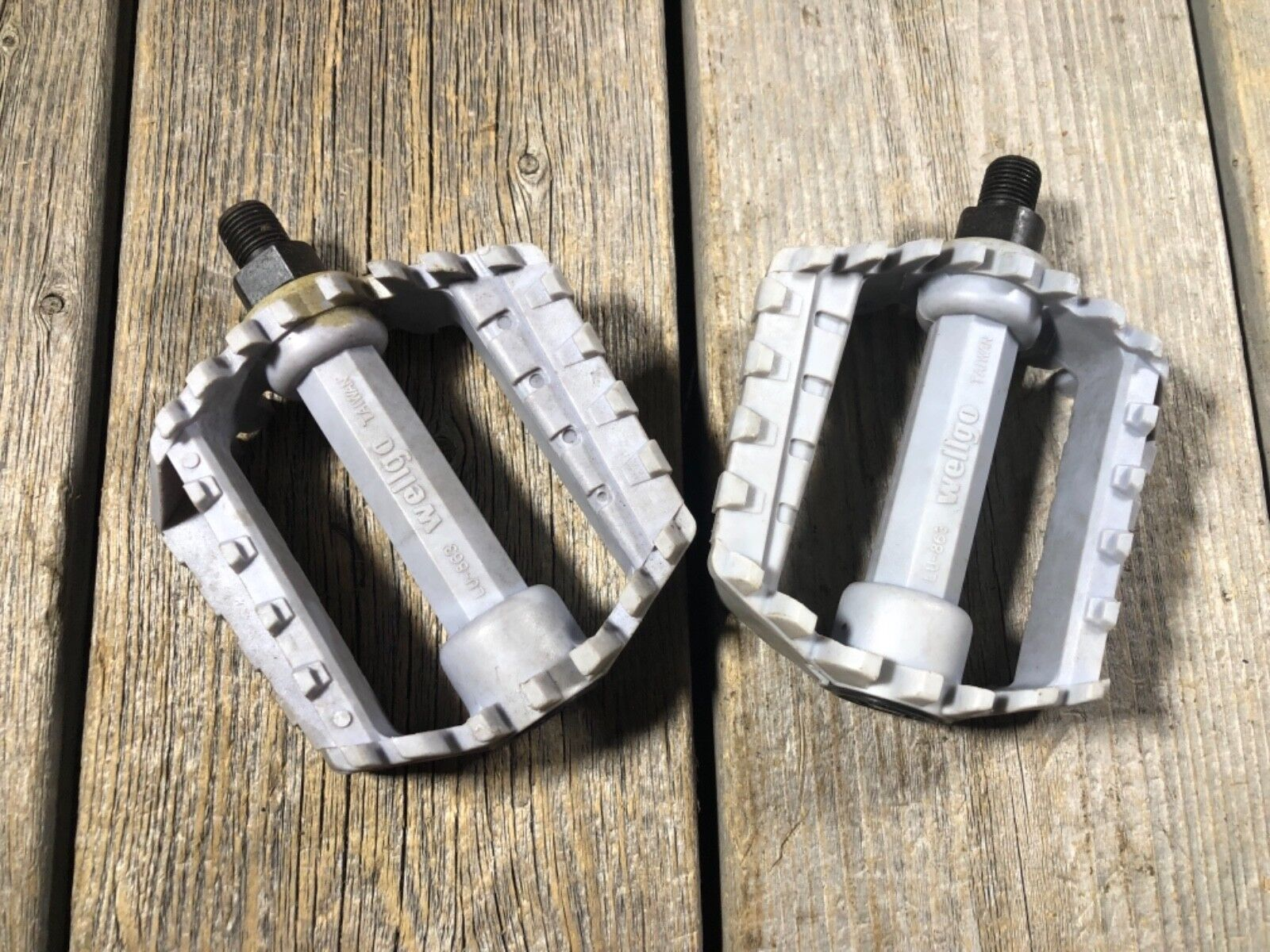 OLD SCHOOL BMX  PEDALS MX WELLGO LU-863 PEDALS 1 2 FREESTYLE ROUND TAIWAN NOS  promotions