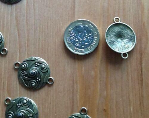 Antique Bronze  tone 28 x 21mm 10 x Large Celtic Knot Triskele Connectors