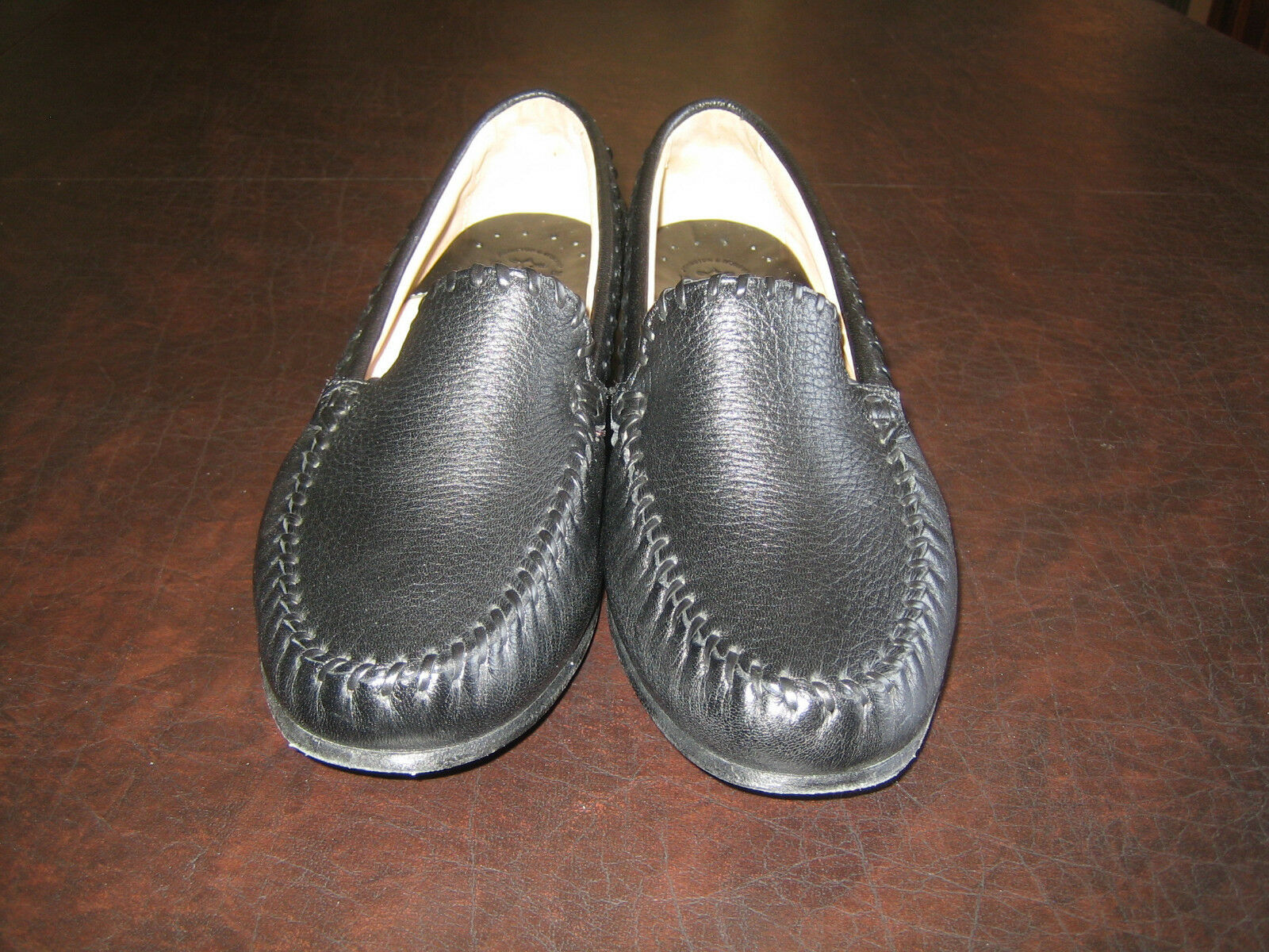 JOHNSTON & MURPHY ALL-LEATHER BLACK LOAFERS  -  WOMEN'S SIZE 9M