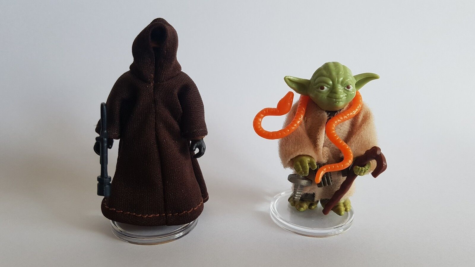 Star Wars Vintage - 250 SMALL CLEAR Figure Display Stands 1