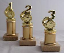 Pokal Serie 3 Pokale H.=16cm - 18cm gold, 49 Sportarten zur Auswahl mit Schild