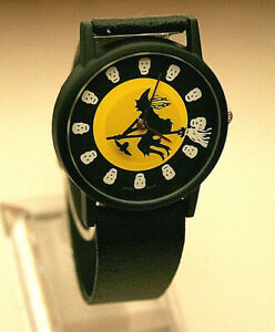Vintage-Halloween-Witch-Flying-floating-Bat-Mystery-Dial-Watch-New-NOS-1980s