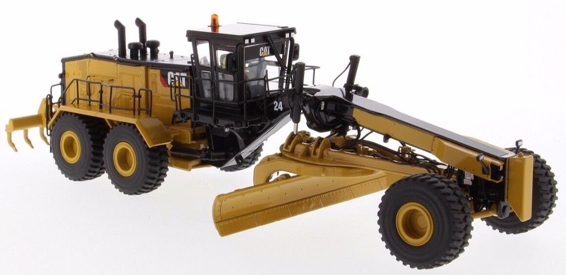 Cat Caterpillar 1 50 scale 24 Motor Grader Next Gen - Diecast Masters 85552