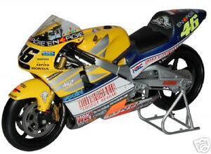 Minichamps 1/12 2001 Honda NSR500 Valentino Rossi Le Mans 2001 #46 Grand Prix