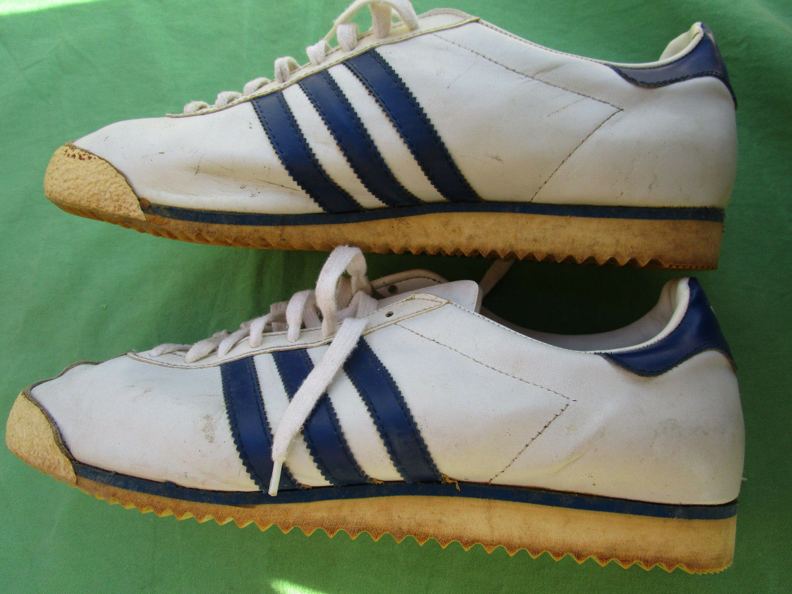 Chaussures homme  tennis cuir blanc ADIDAS ROM de collection Vintage pointure 12