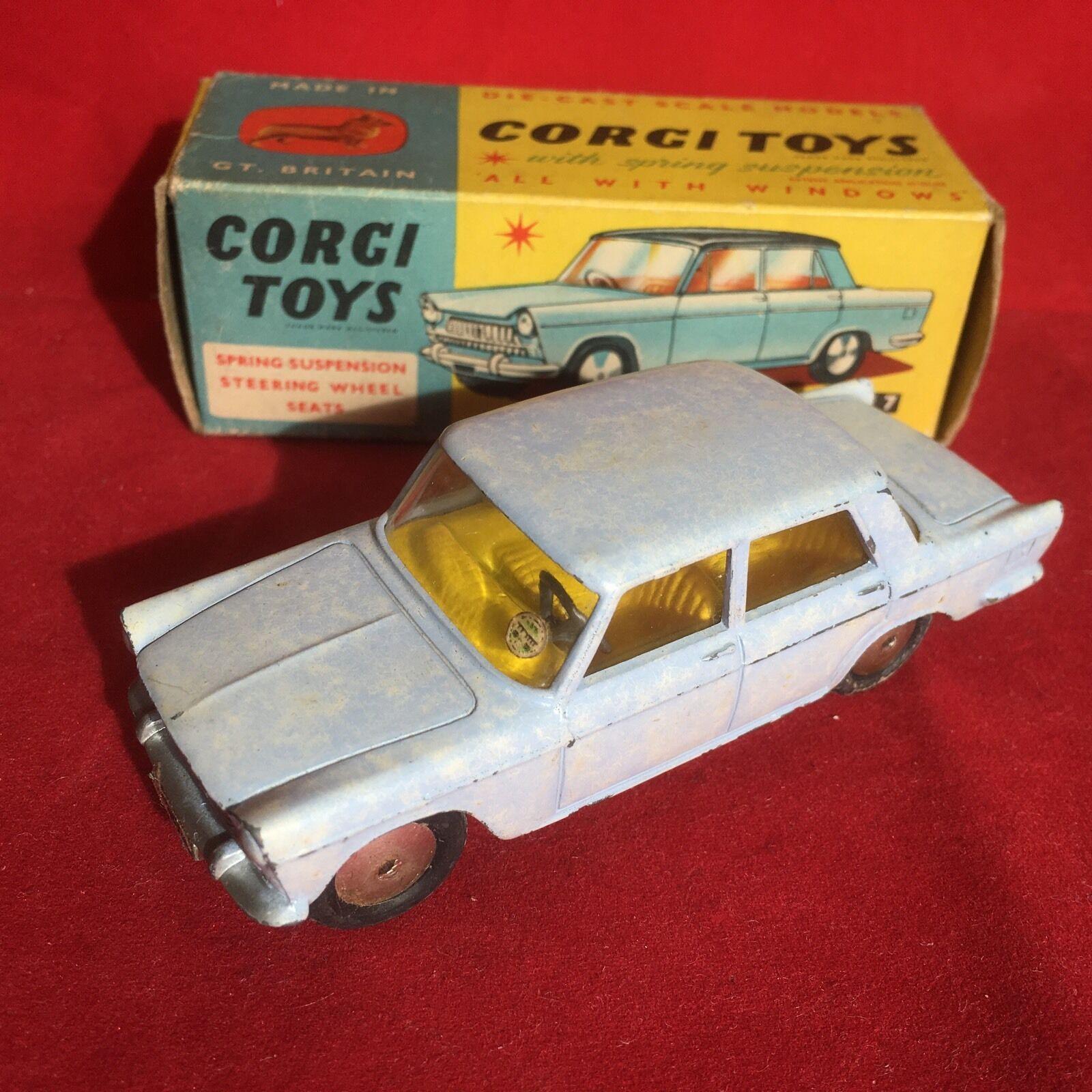 Vintage CORGI Toys No. 217 Fiat 1800 BLEU CLAIR MOUCHETÉ effet Boxed