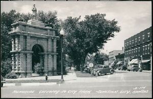 JUNCTION CITY KS Memorial Gateway to City Park Vtg 1940's Cars RPPC Postcard Old