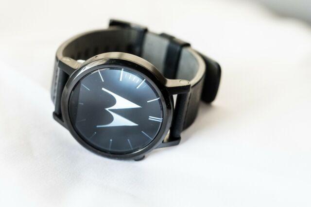 Motorola Moto 360 2nd Gen. 42mm Stainless Steel Case BLACK leather Smart watch