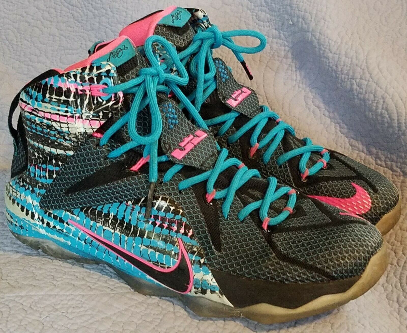 reputable site 077a6 0bb00 Nike Lebron XII 12 Chromosomes Size 9 Black Pink Blue Lagoon 684593-006 Mens
