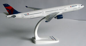 Delta-Air-Lines-Airbus-A330-300-1-200-Flugzeug-Modell-A330-USA-NEU-Airlines