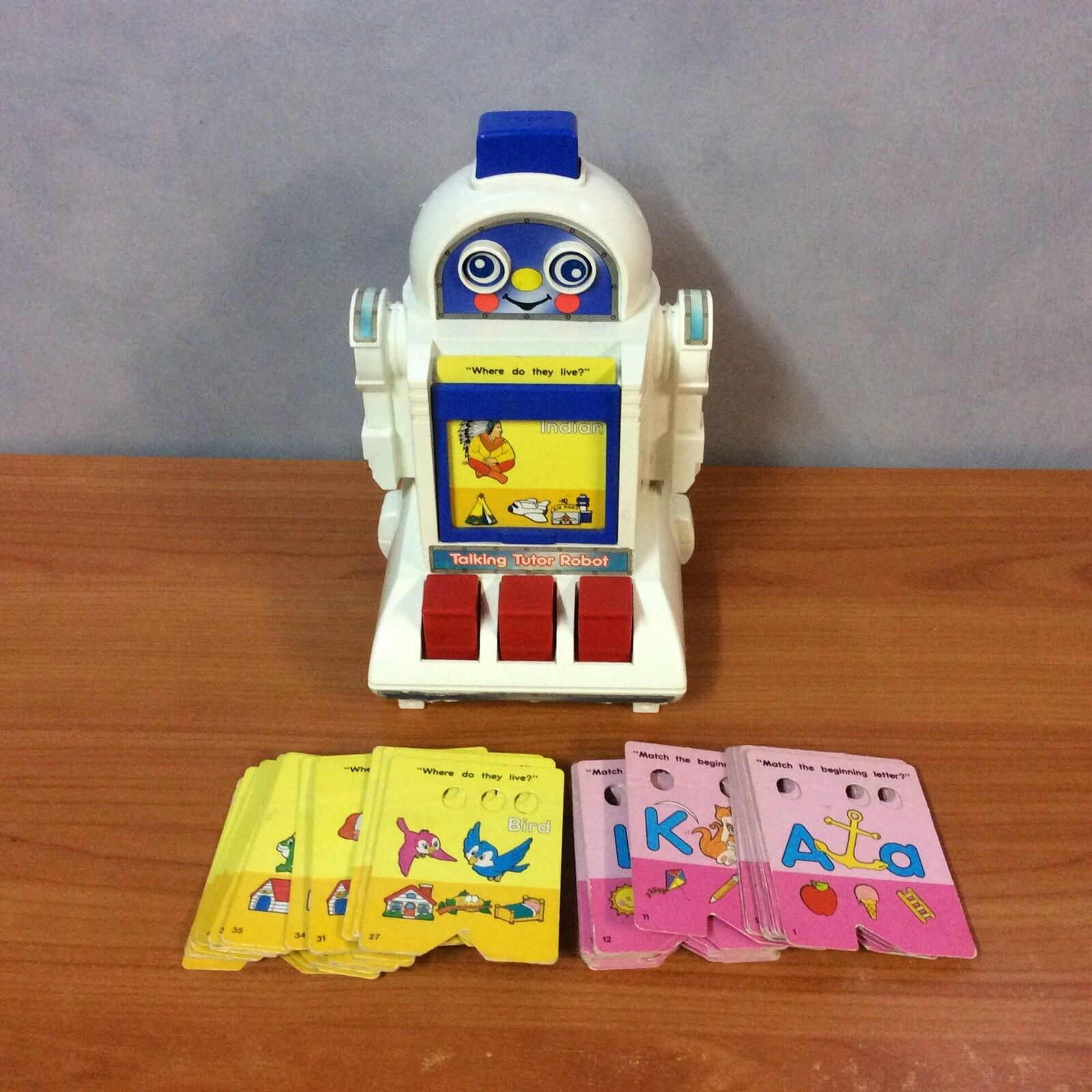 Vintage 1985 Tomy Talking Tutor Robot + 49 Cards