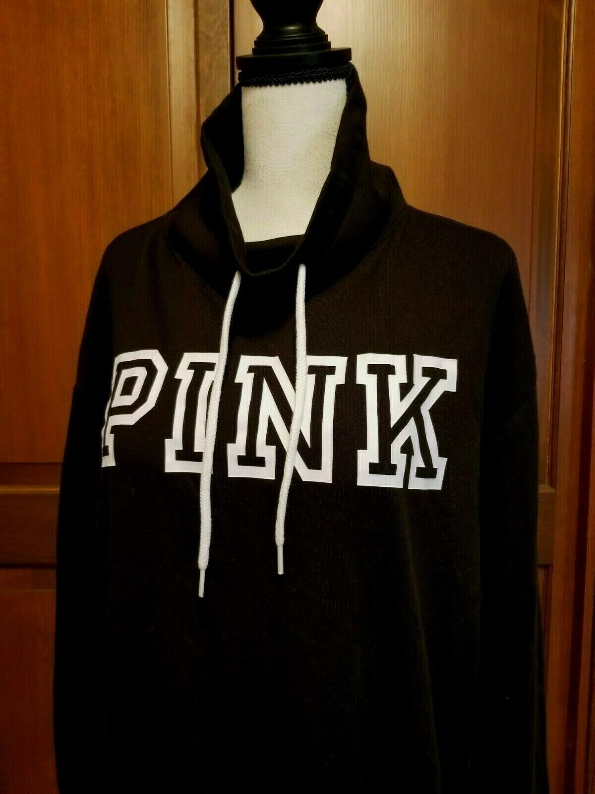 🌟🌷Victoria's Secret PINK Pullover Sweatshirt Black White Logo (S) *AUTHENTIC*