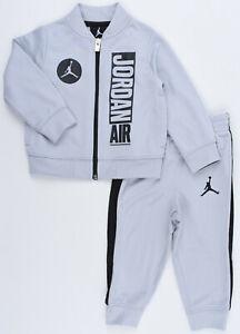 Détails sur Nike Air Jordan Boys' 2pc Survêtement Ensemble: Pantalon de survêtement + Veste, loup gris, 12 mois afficher le titre d'origine