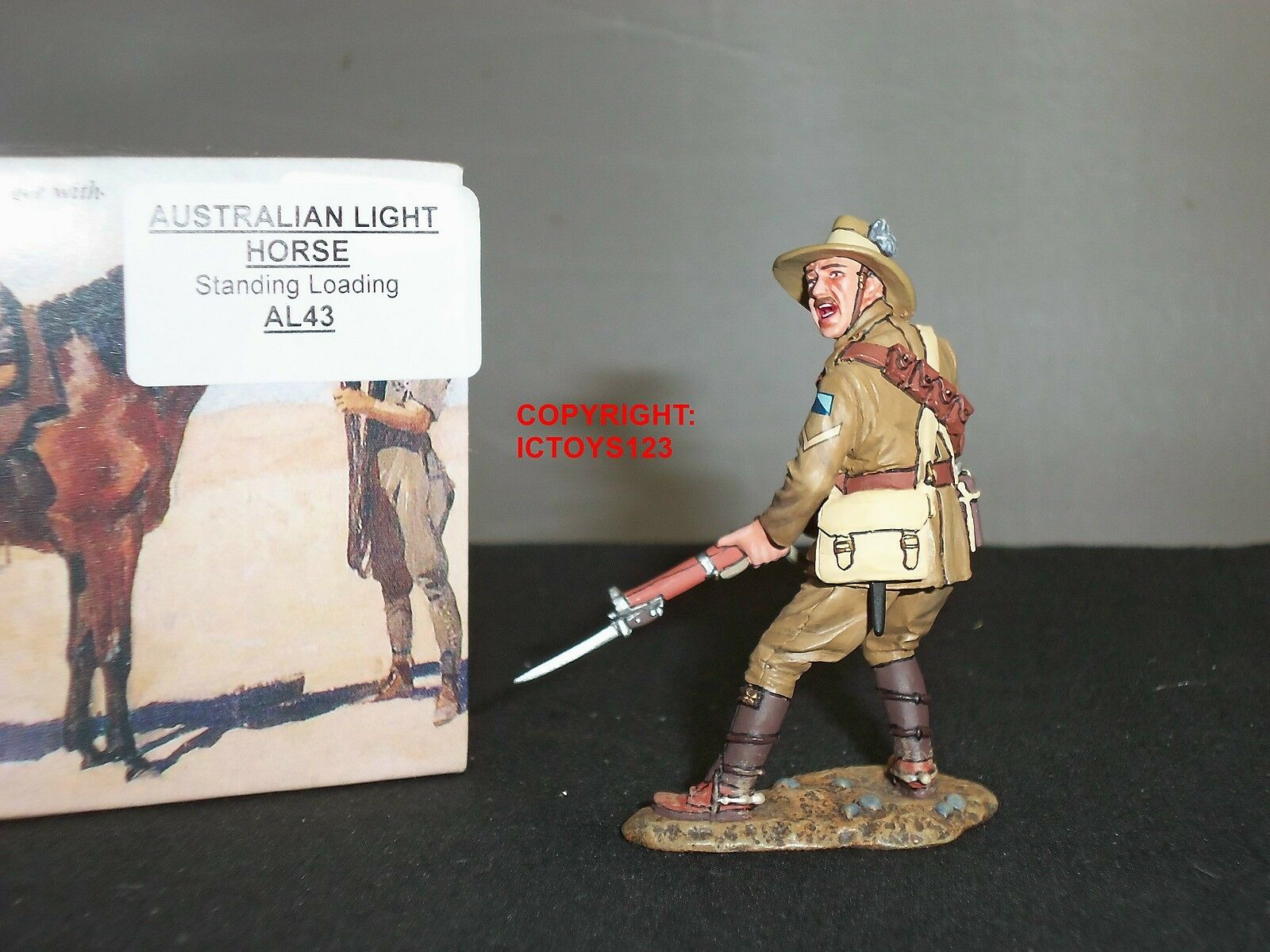 KING AND COUNTRY AL43 AUSTRALIAN LIGHT HORSE STANDING LOADING METAL TOY SOLDIER