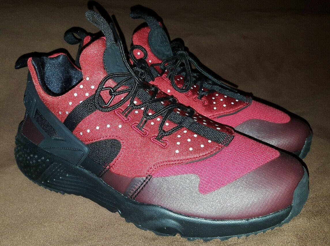 Wild casual shoes Nike air huarache shoes mens size 9 gym red/black retail Price reduction