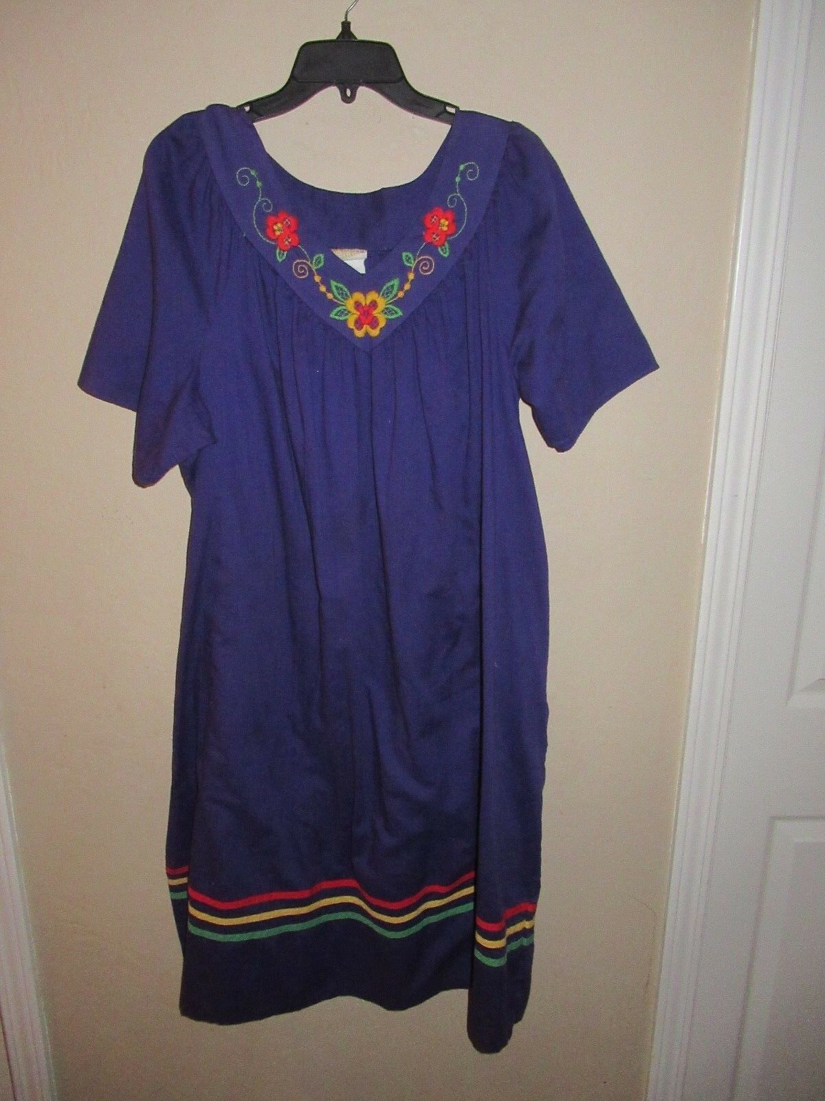 Purple Mexican Dress Huipil Peasant floral Embroidered Oaxaca Cotton  1X Vtg