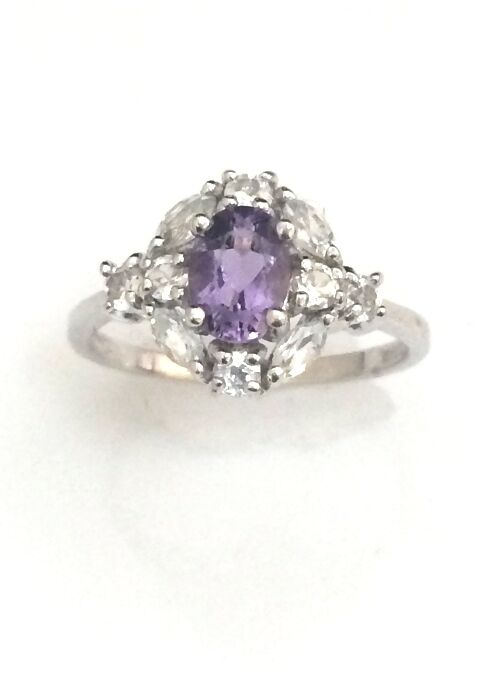 UNIQUE 10K WHITE gold SYNTHETIC OVAL AMETHYST CENTER & CZ ACCENTS RING FREE S&H