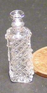 1:12 Scale Clear Patterned Glass Square Decanter Dolls House Accessory GDZC