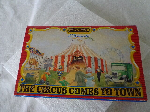 MATCHBOX PRESENTS THE CIRCUS COMES TO TOWN 1 64 SCALE CIRCUSES OR THE WORLD
