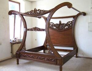 Details zu Exklusives Bett Bettgestell B180 x L200 Himmelbett Holz  Nussbaumton Prunkbett