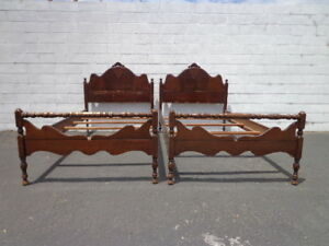 Details about 2 Twin Beds Antique Victorian Shabby Chic French Provincial  Bedroom Single Bed