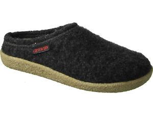 6933e9ca8c956 100% Wool Women s Black Clog Slippers Giesswein Anthrazit