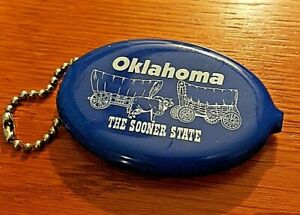 Oklahoma-The-Sooner-State-Keychain-Blue-Coin-Purse-Vtg-Covered-Wagons-3-034-Long