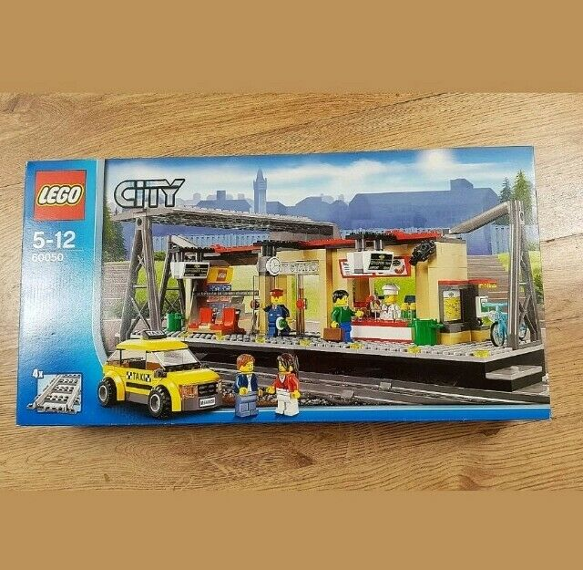Lego CITY 60050 Train Station - RETIrot (New & Sealed)