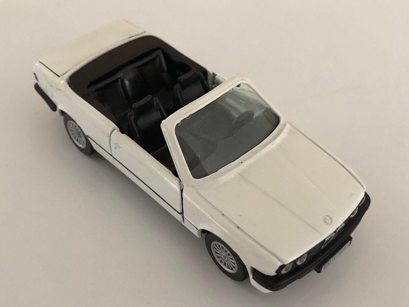 GAMA BMW 325i E30 Bianco con nero 1 43 SCALA DIECAST modelloLO   1110