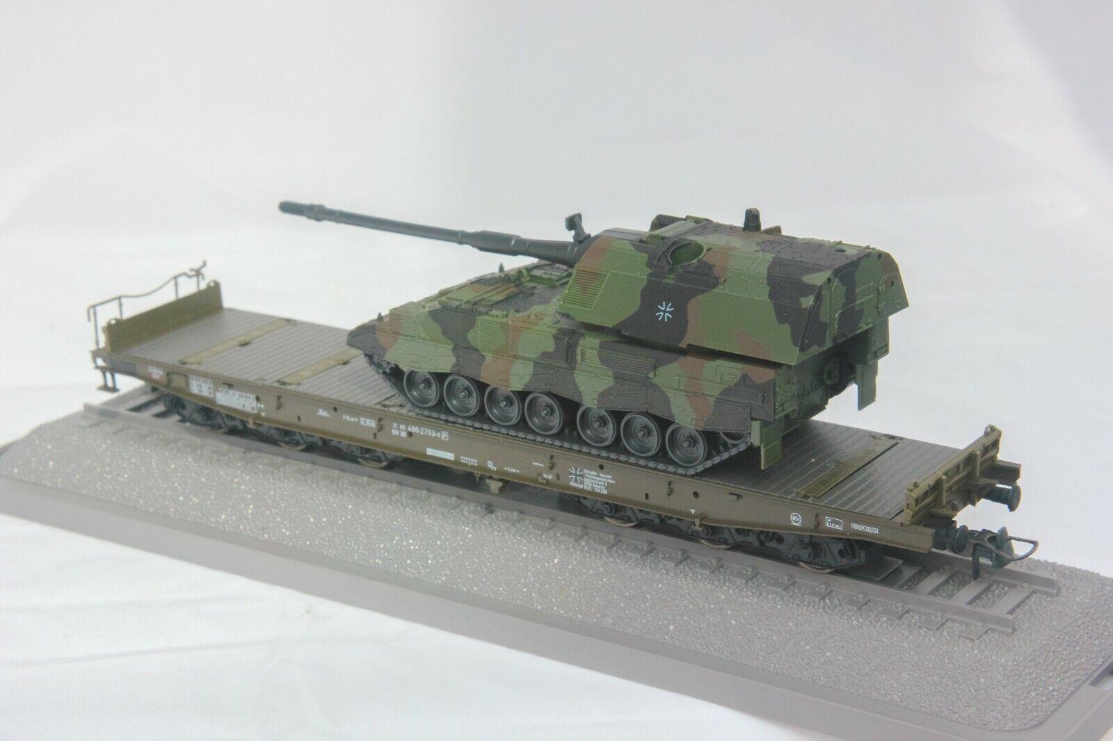 Roco Minitanks   866,HO Gauge,   Heavy duty 12 wheel bogie flat wagon with Tank
