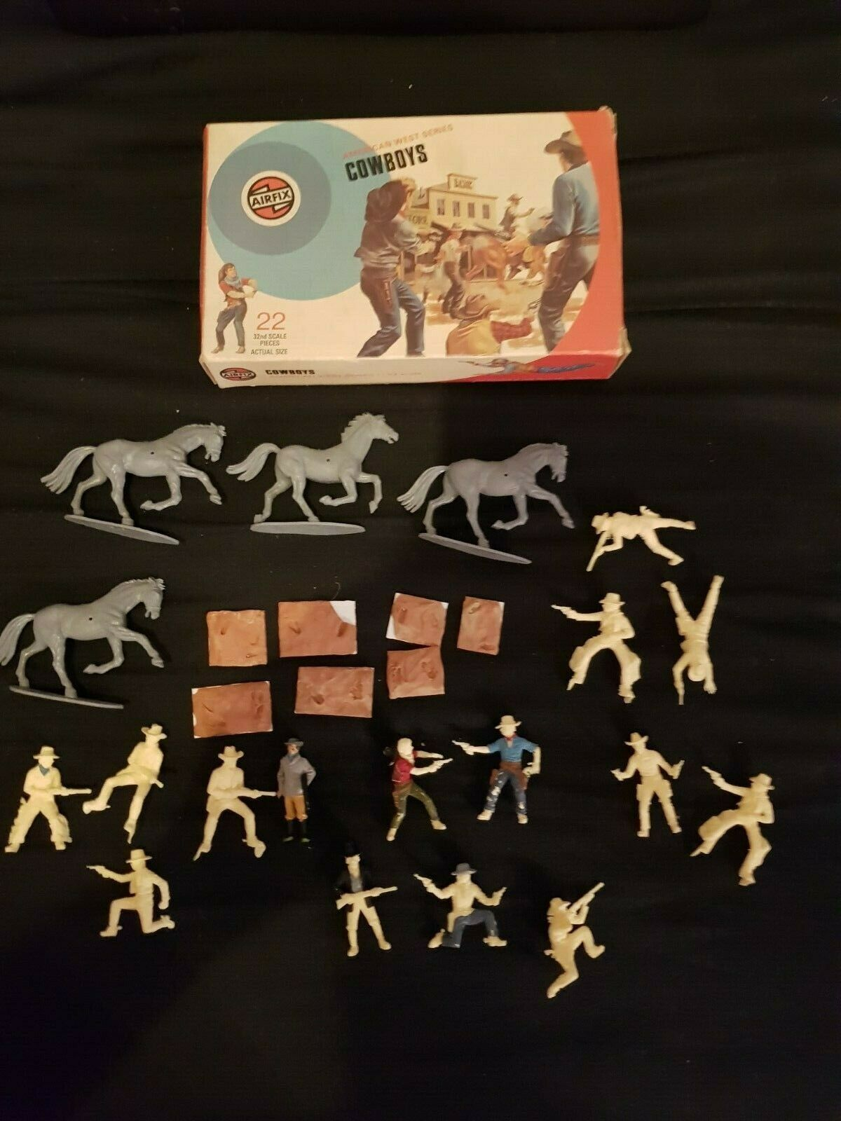 VINTAGE AIRFIX AMERICAN WEST SERIES COWBOYS SCALE 1 32 BOXED 1974, INCOMPLETE