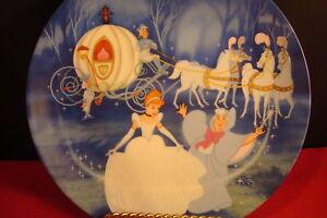 """Bibbidi-Bobbidi-Boo "" plate from the Walt Disney collection ""Cinderella"""