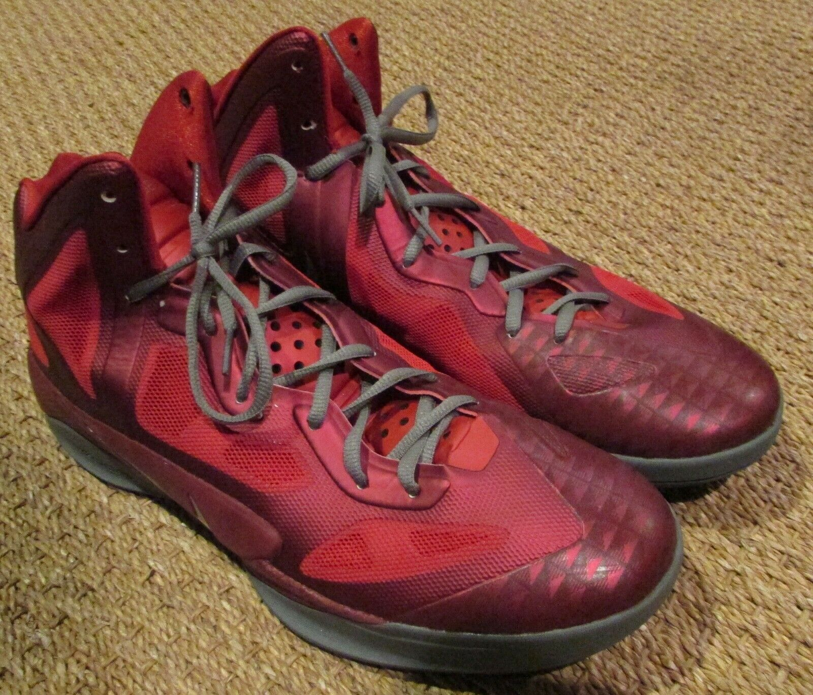 Nike Air Zoom Hyperfuse 2011 Team Red Basketball shoes Sneakers Size 12