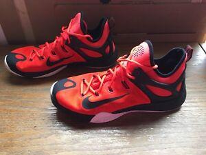 brand new c5e88 5e95d Image is loading EUC-Men-039-s-Nike-HyperRev-Basketball-Crimson-