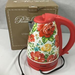 The-Pioneer-Woman-1-7-Liter-Electric-Kettle-Red-Vintage-Floral-Model-40970
