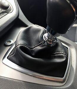 Ford-Kuga-dal-2008-al-2012-cuffia-cambio-pelle-nera-CORNICE-PLASTICA-ESCLUSA